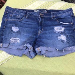 Mossimo denim shorts nwot size 16
